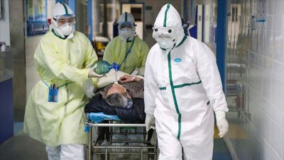 3.000 de angajați ai sistemului sanitar din Franța au fost suspendați din funcție pentru că nu sunt vaccinaţi