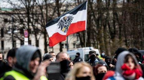 Ce sunt Querdenken și mișcarea Reichsbürger. Votanții germani devin ținta teoriilor conspirației înainte de alegerile de duminică