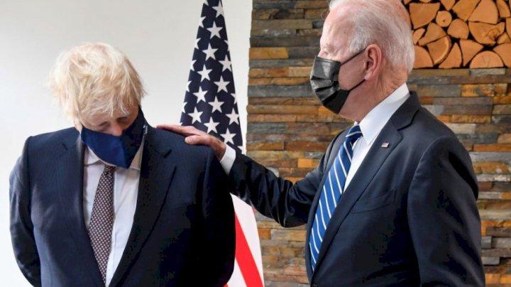 Prima întâlnire între Boris Johnson și Joe Biden la Casa Albă. Ce cadouri și-au făcut cei doi lideri