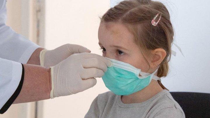 Unul din zece copii a rămas cu simptome după vindecarea de COVID-19 în Israel