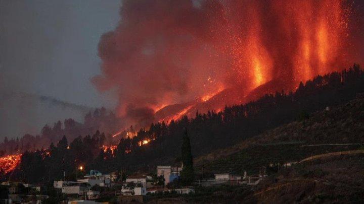 Cum s-a văzut din satelit erupția vulcanului Cumbre Vieja din La Palma (FOTO)