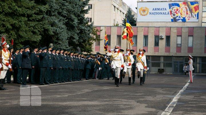 Armata Națională la cea de-a 30-a aniversare. Sărbătoarea a fost marcată modest (FOTOREPORT)