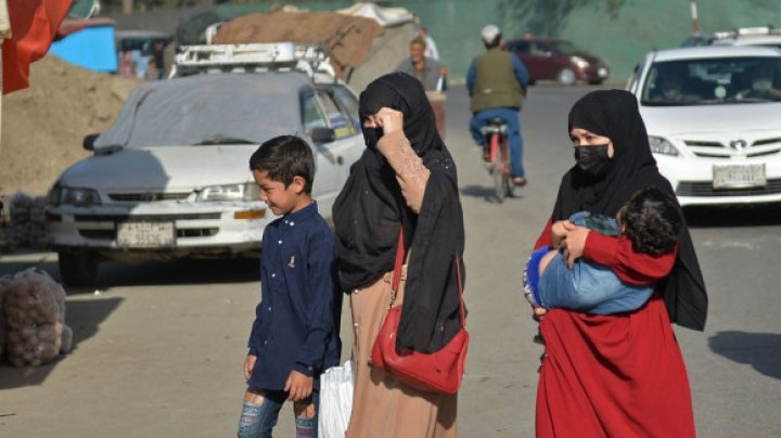 """Experiențele traumatizante din maternitățile din Afganistan. """"Așa e în fiecare zi de când au venit talibanii"""""""