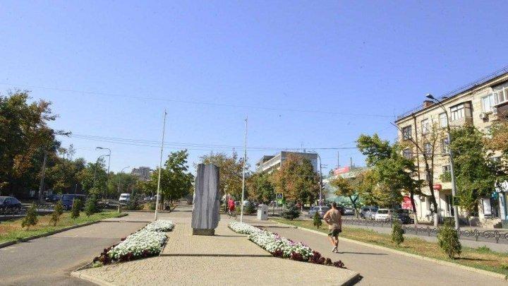 Aleea de pe bulevardul Grigore Vieru din Capitală este în proces de reabilitare. Ce spun locuitorii