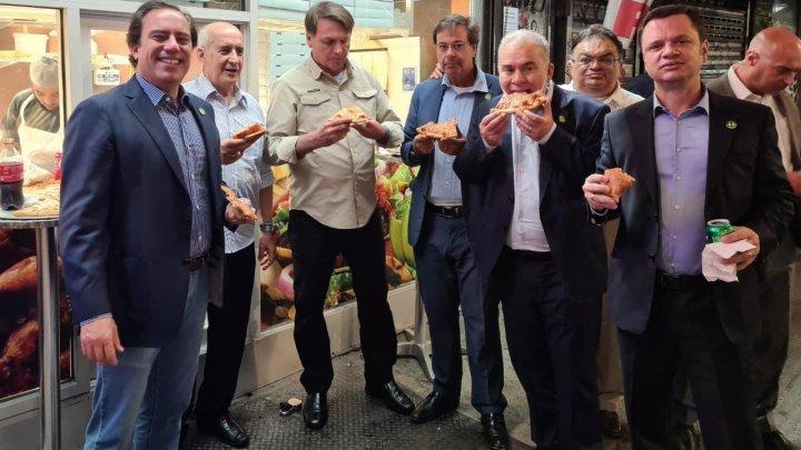 Preşedintele Braziliei a fost obligat să mănânce pe stradă la New York, pentru că nu este vaccinat