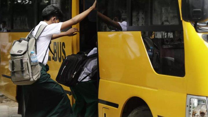Un bărbat din SUA cere despăgubiri de 1 milion de dolari, după ce fata lui a fost tunsă la școală