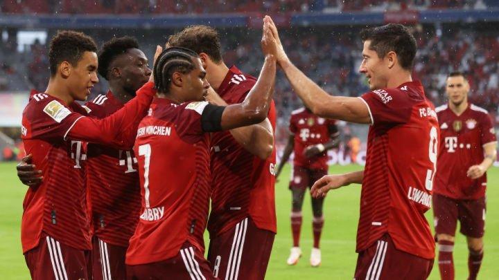 Bayern Munchen a învins-o fără drept de apel pe FC Barcelona, chiar pe terenul acesteia