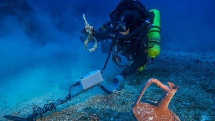 Doi scafandri au descoperit o comoară din aur din timpul Imperiului Roman