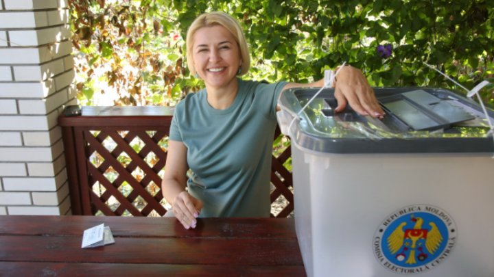Bașcanul Găgăuziei, Irina Vlah, a votat de acasă în cadrul alegerilor pentru Adunarea Populară a Autonomiei (FOTO)