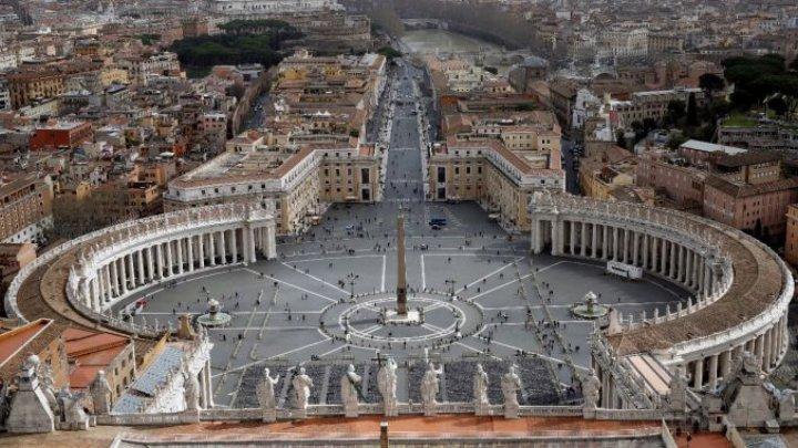 Certificatul COVID va fi obligatoriu pentru lucrătorii şi vizitatorii Vaticanului, dar nu şi pentru cei care participă la slujbe