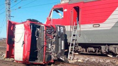 Accident tragic în Rusia: Un camion a fost lovit de un tren de pasageri