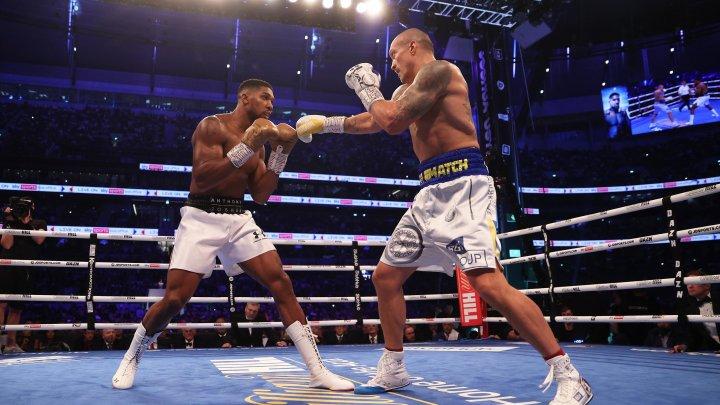 Boxerul englez, Anthony Joshua, a activat clauza pentru disputarea meciului revanșă cu Oleksandr Usyk