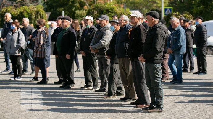 Protest la Comrat în susținerea procurorului general suspendat Alexandr Stoianoglo (FOTO)