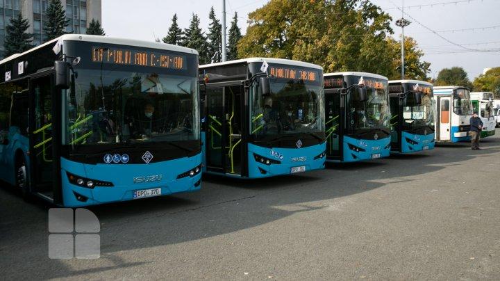 9 autobuze noi, model ISUZU, puse pe linie de Hramul Chișinăului. Vezi cum vor circula (FOTO)