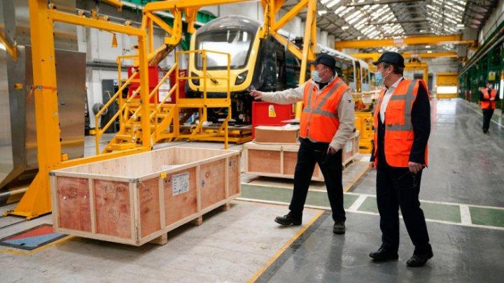 Noi probleme pentru Marea Britanie: Producătorii de oțel, sticlă, ceramică și hârtie avertizează că ar putea opri activitatea