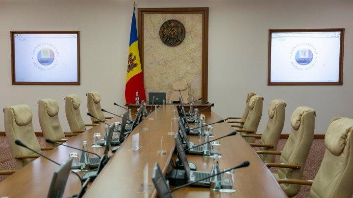 Guvernul Gavriliţa se întruneşte în şedinţă, începând cu ora 15:00