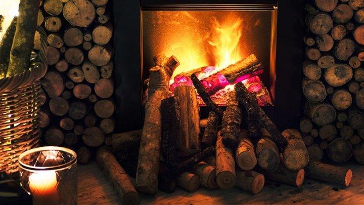 Fonduri pentru familii nevoiașe din mediul rural care au nevoie de lemne pentru foc