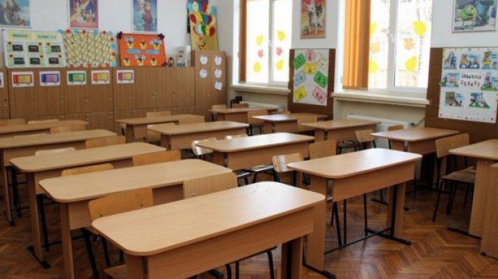 Vacanța de toamnă a fost prelungită până pe 7 noiembrie, pentru elevii din localitățile cu prag roșu de alertă