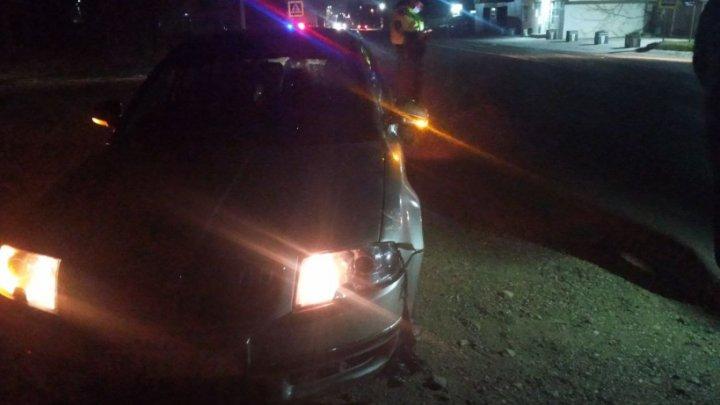 Un bărbat beat a ajuns la spital, după ce a fost lovit de un automobil la Bălți