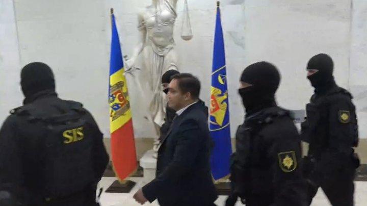 23 de organizații solicită transparență în cazul lui Alexandr Stoianoglo. Oraganizațiile au emis o declarație în acest sens