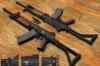 Полицейские торговали оружием
