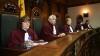 Заседание Конституционного суда отложено до 15.00
