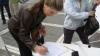 Социальные работники столичной мэрии собирали подписи для аннулирования результатов выборов 19 июня
