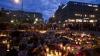 В Норвегии десятки тысяч людей провели ночь, стоя со свечами на улице