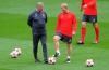 Английский полузащитник Пол Скоулз официально завершил карьеру