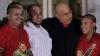 Сторонники Чавеса побрились наголо в знак поддержки лидера