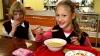 Дискриминация на тарелке: у школьников разные меню и порции