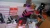 Незадекларированные кондитерские изделия, женскую обувь и одежду обнаружили таможенники на границе
