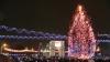 В этом году в Кишиневе были установлены и украшены десятки елок