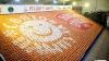 Во Львове на Рождество выложили рисунок из семи тысяч пампушек