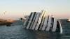 """Операция по извлечению из воды лайнера """"Коста Конкордия"""" займет до 10 месяцев"""