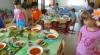 Постное меню в детсадах: почти неделю малыши не ели мяса, рыбы и молочных продуктов