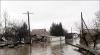 Дома села Валены могут оказаться под водой из-за ветхой дамбы