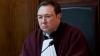 Коммунисты потребовали отвода председателя КС Александра Тэнасе. Судьи отклонили требование ПКРМ
