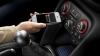 Систему беспроводной зарядки мобильных устройств в автомобиле разработали в Chrysler