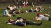 На второй день Пасхи горожане отправились на отдых в парки