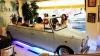 В тайваньском ресторане можно пообедать в салоне классического автомобиля