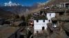 Премьер Непала планирует ночевать у селян