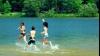 Спасатели предупреждают родителей об опасности купания детей без присмотра
