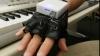 Вибрационная перчатка научит игре на фортепиано (ВИДЕО)