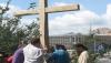 В Киеве восстановили крест, спиленный Femen