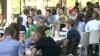 После торжественной линейки сотни учащихся отмечали День знаний в кафе и барах