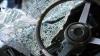 В Чимишлийском районе водитель врезался в дерево, пассажирка погибла