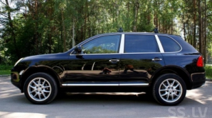 Porsche Cayenne, разыскиваемый Интерполом, обнаружен на молдо-украинской границе