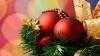 Особым спросом на рождественской ярмарке пользуются традиционные атрибуты праздника - елки и игрушки