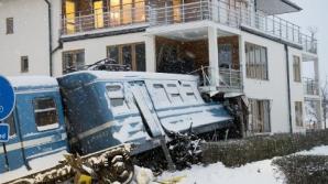 Шведка угнала поезд и въехала в жилой дом
